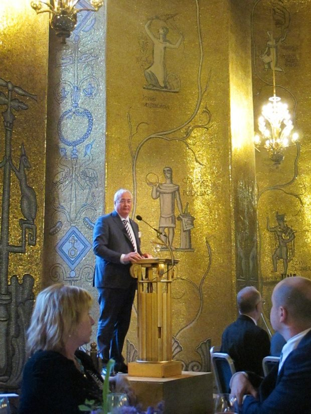 Stockholm's Mayor starting the dinner